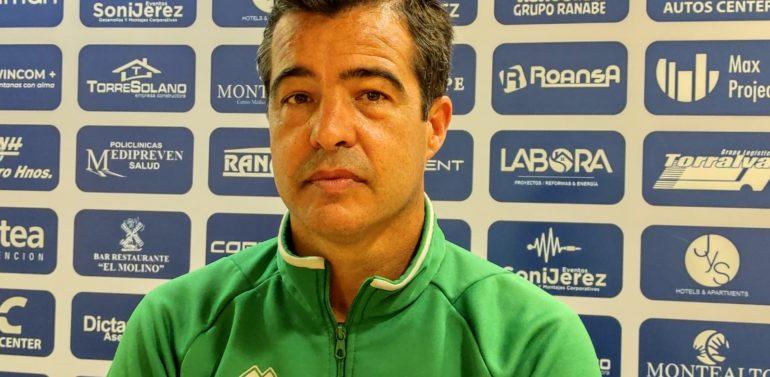Pérez Herrera da las claves del Xerez DFC antes de su debut en la fase de ascenso