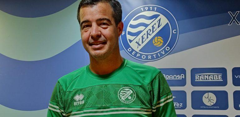 """Pérez Herrera, entrenador del Xerez DFC, se muestra tranquilo en la previa de un partido histórico: """"Es una oportunidad que hay que disfrutar"""""""