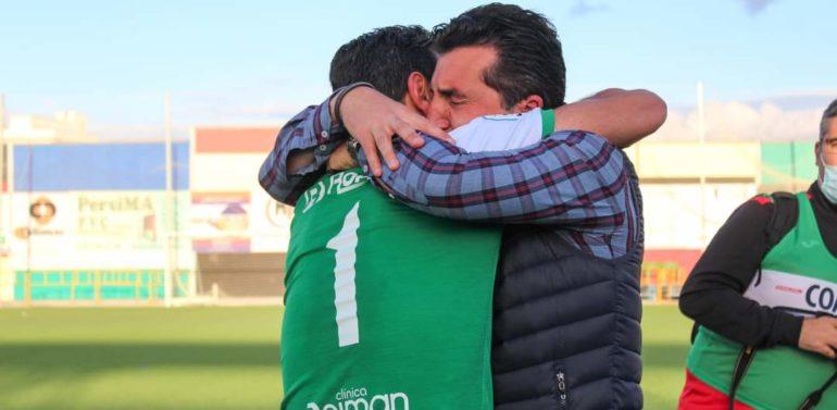 """El apasionante discurso de Edu Villegas, director deportivo del Xerez DFC, en la celebración del ascenso: """"Llevo ocho años en el Club y esto es un sueño cumplido"""""""
