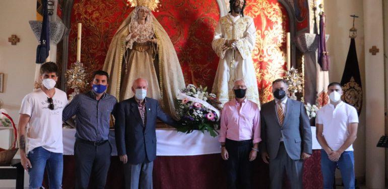 El Xerez DFC realiza una ofrenda floral a la Hermandad del Soberano Poder