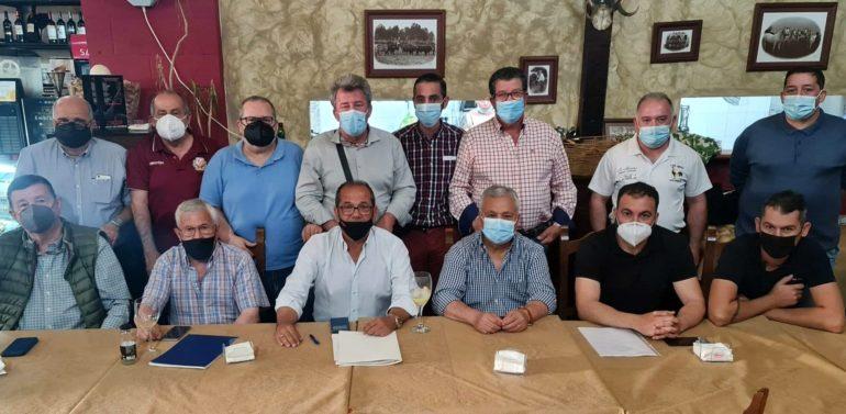 Un ex presidente del Xerez CD SAD se une a un grupo de aficionados para refundar el Dos Hermanas CF