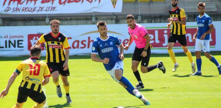 Máyor, delantero del Xerez DFC, en RFAF TV, ve favorito al Lucena para ascender y se ve jugando al fútbol dos años más