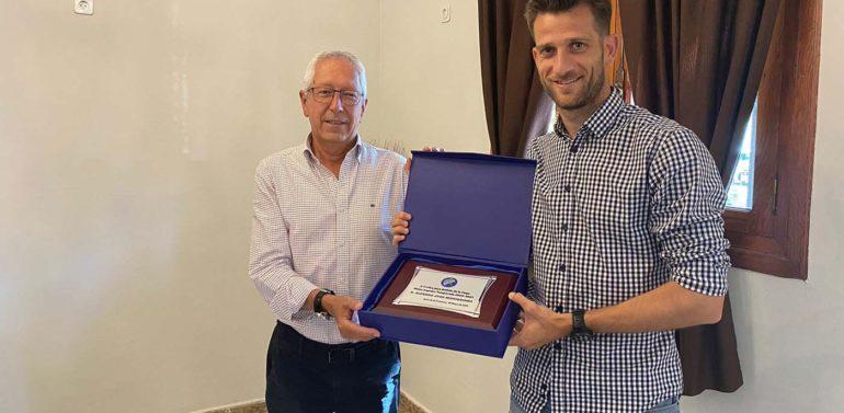 El Xerez DFC entrega a Máyor el II Trofeo Juan Bellido de la Vega
