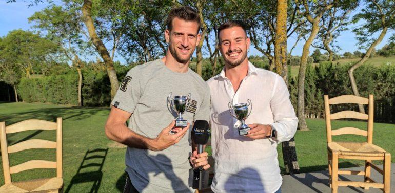 """Máyor y Jacobo, futbolistas del Xerez DFC, recibieron su trofeo MVP en el especial de """"Tu Grada"""""""