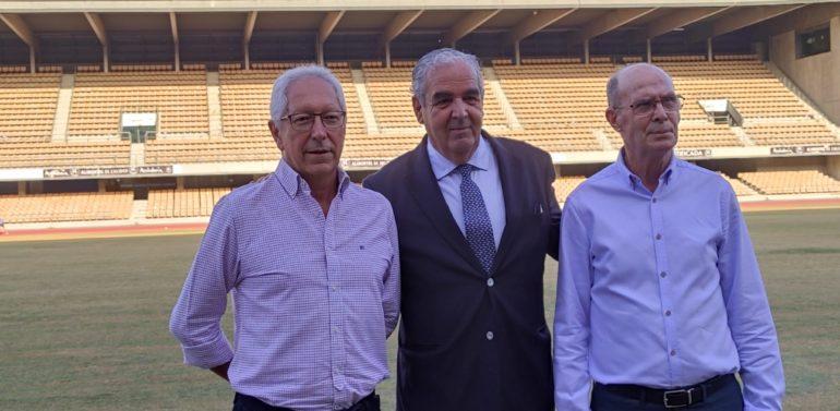 """Ignacio de la Calle comienza su mandato en el Xerez DFC con una reunión maratoniana y afirma que """"la campaña de socios comenzará lo antes posible y trataremos de que nadie se quede sin fútbol en Jerez por temas económicos"""""""