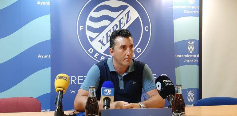 Edu Villegas se despidió del Xerez DFC con un emotivo comunicado, una indirecta a Pérez Herrera y con un final muy polémico