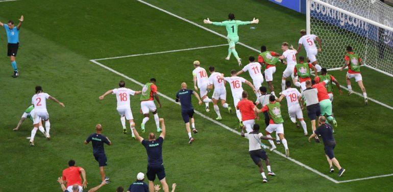 Suiza será el rival de España en cuartos de final tras apear a Francia en la gran sorpresa de la Eurocopa y en un día épico para el mundo del fútbol