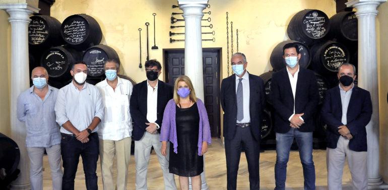El Ayuntamiento de Jerez recibe a la nueva directiva del Xerez DFC