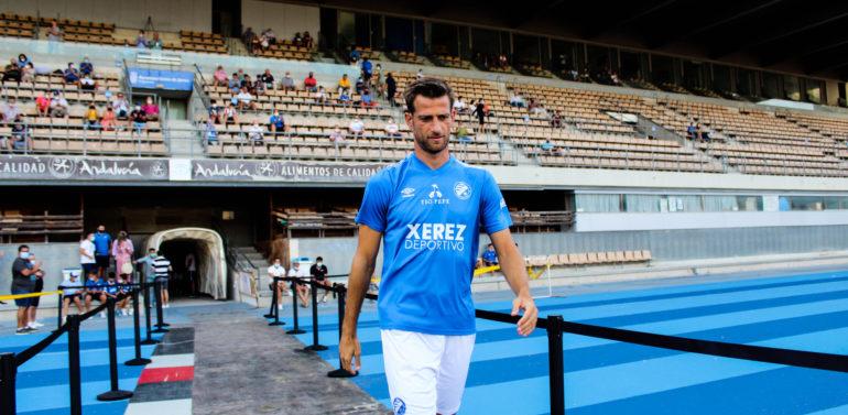 """Máyor, delantero del Xerez DFC: """"No valdrá de nada tener ahora buenas sensaciones, si llega el primer partido y no son iguales"""""""