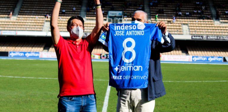 Bonito homenaje del Xerez Deportivo a José Antonio Garrido