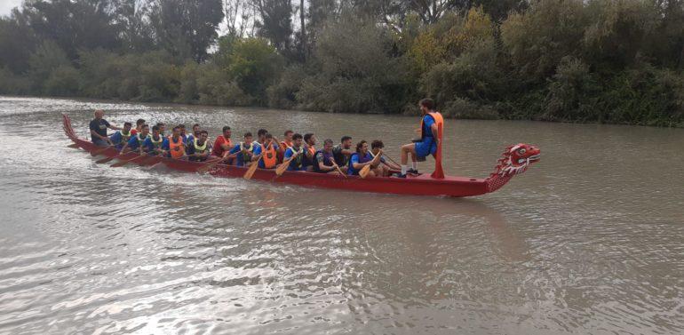 El Xerez Deportivo se pasa al kayak y disfruta como una piña