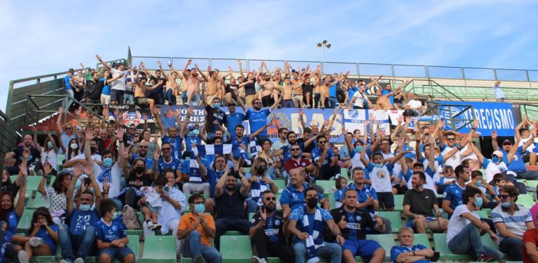 Exhibición de la afición del Xerez Deportivo FC en Mérida
