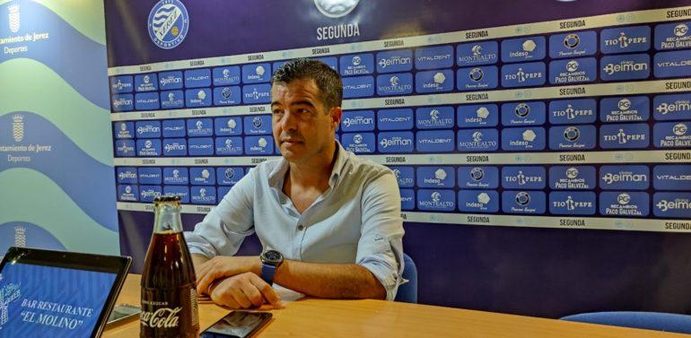 """Pérez Herrera, entrenador del Xerez Deportivo, antes de recibir al Villanovense: """"No podemos crear un drama o una sensación extrema, tenemos que tener tranquilidad"""""""