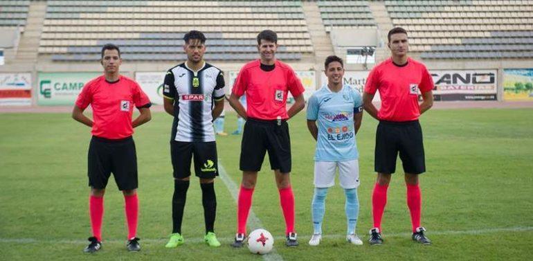 Carlos Alberto Carbonell Hernández, un colegiado con 10 temporadas de experiencia en Segunda B, arbitrará el Panadería Pulido San Mateo vs Xerez Deportivo FC