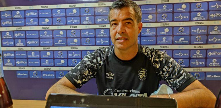 """Pérez Herrera, técnico del Xerez Deportivo FC: """"Contar siempre con un grupo de aficionados que se van a hacer notar en cualquier Estadio te da esa sensación de que no estás sólo"""""""